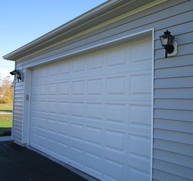 Signor - Exterior Garage